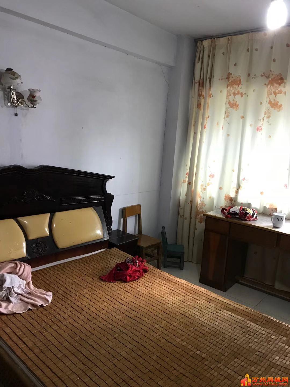万州沙龙路2室2厅1卫,拎包入住。