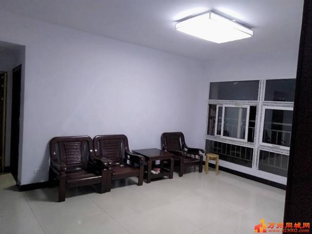 两室一厅,新装修急租。非诚勿扰